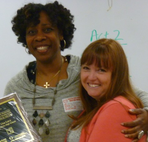 Lisa Lacy receives 2013 Hartman Journalism Teacher Of Year Award
